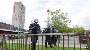 Riot police by Salford Shopping City