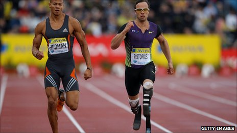Oscar Pistorius (r) of South Africa and Graham Hedman (l) of Great Britain compete in the Aviva London Grand Prix at Crystal Palace