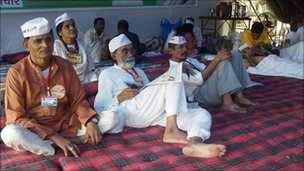 Anti-corruption campaigners fasting in Mumbai