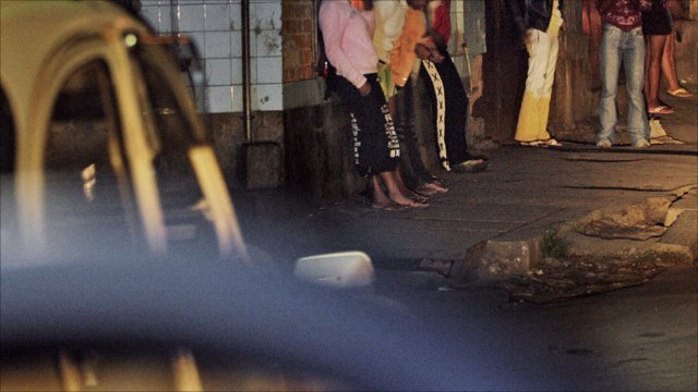 A group of young Malagasy prostitutes in a street of the Tsaralalan district of Antananarivo. Archive photo. Getty Images