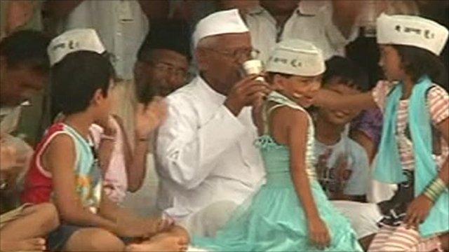 Hazare breaks fast