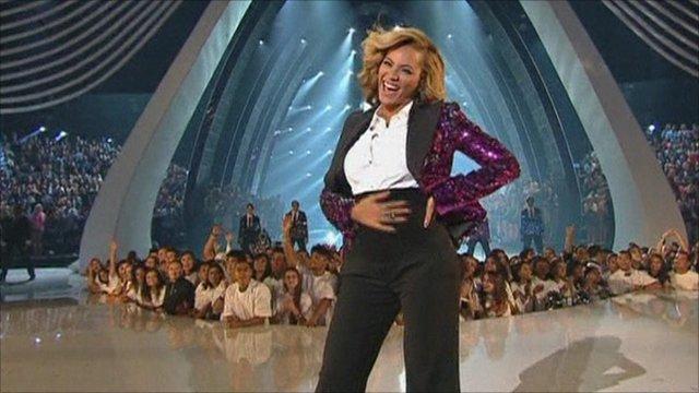 Beyonce reveals pregnancy