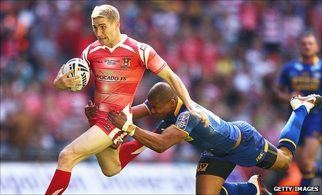 Sam Tomkins (left)