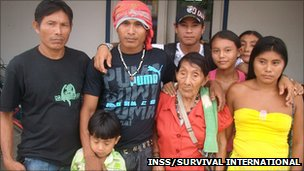Maria Lucimar Pereira, said to be 121 years old on Saturday, with her family (pic courtesy INSS/Survival International)