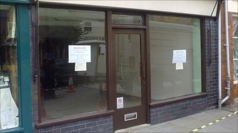 Empty store front in Wootton Bassett