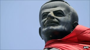 Statue of Hafez al-Assad