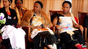 Three of King Mswati&#039;s wives (July 2011)
