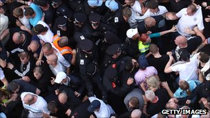 Police and EDL protesters clash in Tower Hamlets