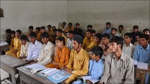 Pupils in a Pakistani class (file picture)