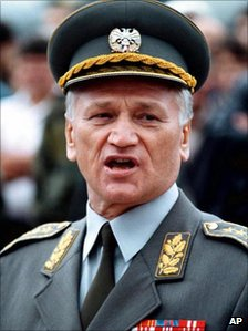 Former Yugoslav Army Chief of Staff General Momcilo Perisic in an image from 1998