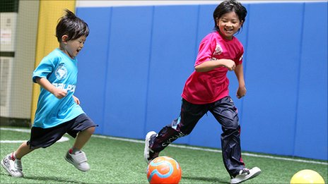 Dai Saito's children, playing indoor football