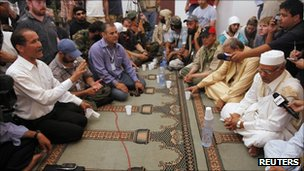 NTC officials and tribal elders from Bani Walid negotiate, 6 September 2011