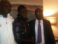 Emmanuel Frimpong (centre) and Ghana FA president Kwesi Nyantakyi (right)