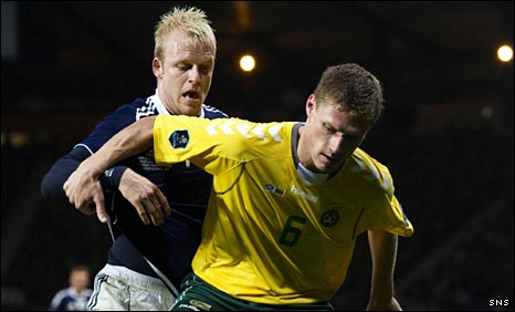 Steven Naismith and Marius Zaliukas