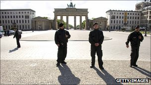 Police at the Brandenburg Gate, Berlin (file photo)