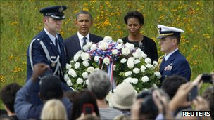 President Obama and Michelle Obama watch the laying of the wreath at Shanksville, Pennsylvania