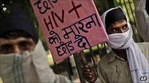 HIV-positive Indian workers march through Delhi in a bid to win more funds for health programmes, 4 May