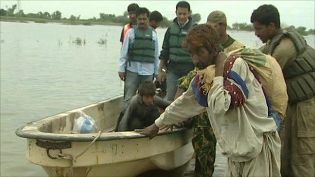 Boat rescue in Pakistan