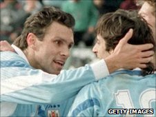 Gus Poyet celebrates with Enzo Francescoli during a Copa America match in 1995