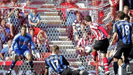 Craig Gardner scores Sunderland's third goal