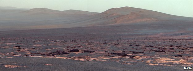 West Rim of Endeavour Crater on Mars (False Colour)