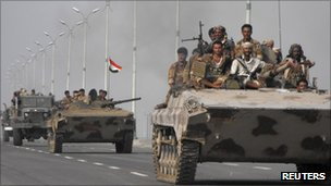 Army forces move into the southern Yemeni city of Zinjibar, 10 September 2011