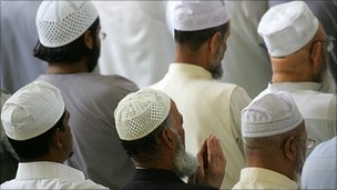 Muslims at prayer (generic)