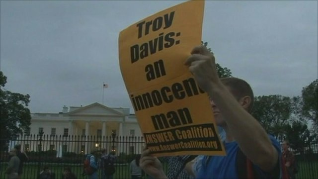Protests outside White House over execution of Troy Davis