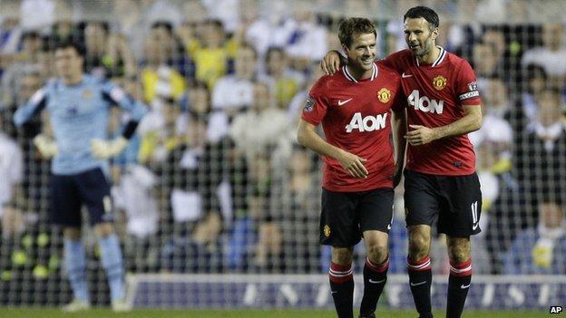 Лидс Юнайтед 0 - 3 Манчестер Юнайтед( дубль Оуэна и показательный гол...