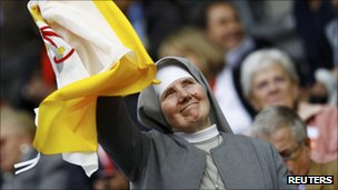 Nun awaits Pope Benedict&#039;s visit in Berlin