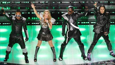 Black Eyed Peas no concerto tributo a Michael Jackson _55545140_blackeyedpeasgetty
