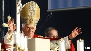 Pope Benedict XVI holds service in eastern Germany