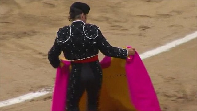 Preparing for a bullfight