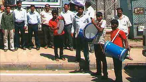 Bangalore&#039;s &#039;tax drummers&#039;