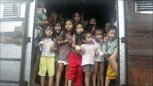 Children evacuated from shanty towns - 27 September