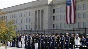Soldiers in front of the Pentagon