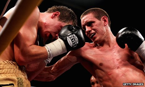Liam Walsh takes on Paul Appleby in London