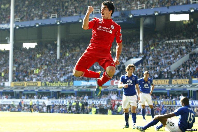 Luis Suarez scores Liverpool's second goal