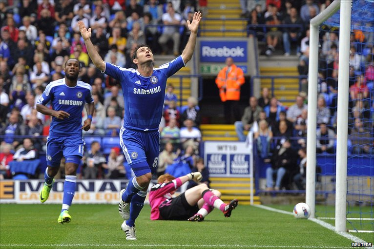 Frank Lampard celebrates his Chelsea goal