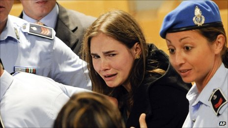 Amanda Knox cries in Perugia&#039;s courtroom