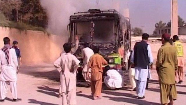 Bus attacked in Pakistan