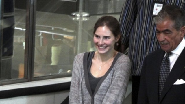 Amanda Knox leaving Italy