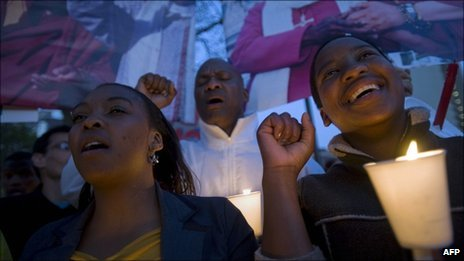 An evening vigil outside the South African parliament on Monday 3 October to call on the South African government to grant the Dalai Lama a visa