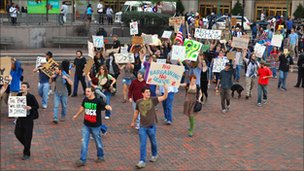 Occupy Cleveland protesters take to the square, 6 October 2011