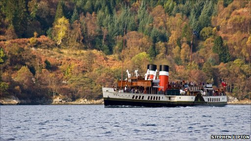 The Waverley steaming in Long Loch