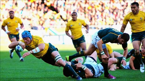 James Horwill scores for Australia