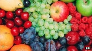 Raw vegetables and fruit 'counteract heart risk genes'