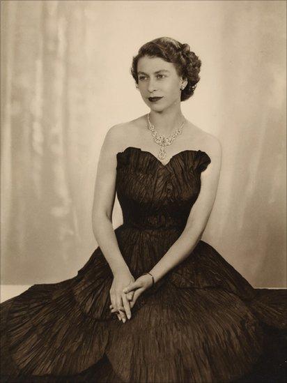 BBC News - Queen Elizabeth II in art and image
