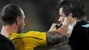 Quade Cooper clashes with Richie McCaw