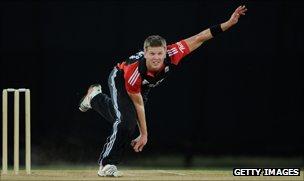 Stuart Meaker of England bowls